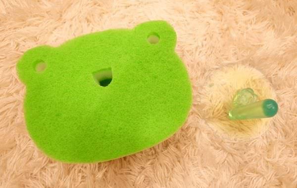 Daiso大創好物-大創浴室小物-海綿-刷子-掛勾-刮刀-消臭貼-青蛙海綿-粉撲清潔劑-女性生理清潔劑 (52)