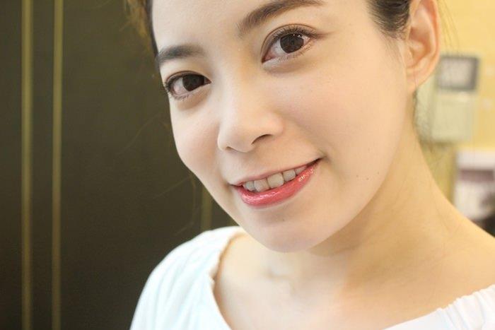 EXCEL Lip Care Oil 美容唇油-ruby red cherry pink LO01 LO02 試色 日本藥妝戰利品 EXCEL唇蜜-滋潤不黏膩 (19)