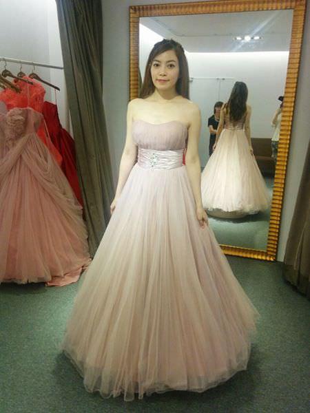 wedding準新娘挑禮服-挑婚紗-De Novia台北士林劍潭站 (1)