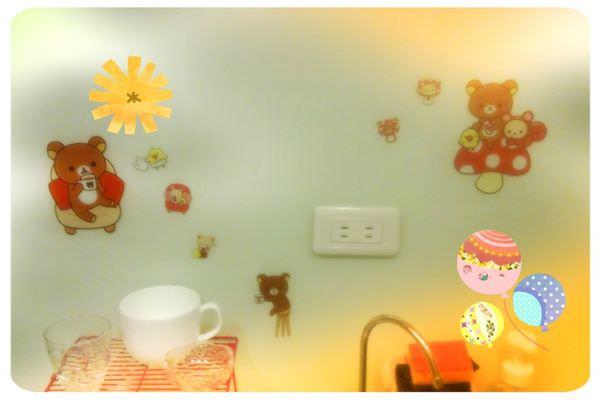 [淘寶] 可愛的拉拉熊玻璃貼紙~我的小廚房佈置