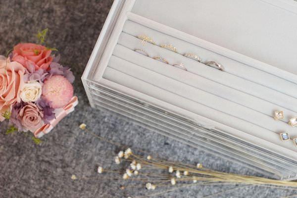 MUJI 無印良品 耳環項鍊手鍊戒指飾品收納 五層抽屜壓克力收納盒 灰絨布飾品收納盒分隔盒壓克力盒用灰絨內盒 賞心悅目的飾品收納法 (32)