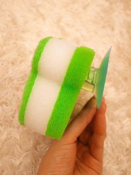 Daiso大創好物-大創浴室小物-海綿-刷子-掛勾-刮刀-消臭貼-青蛙海綿-粉撲清潔劑-女性生理清潔劑 (55)