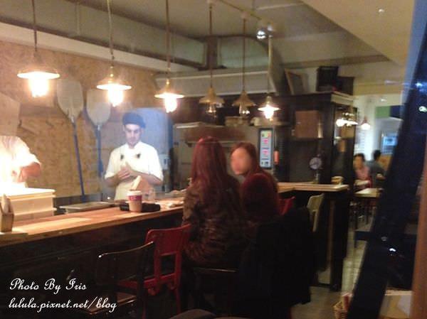 充滿帥哥的Pizza店-Antico Forno老烤箱義式手桿披薩 (25)