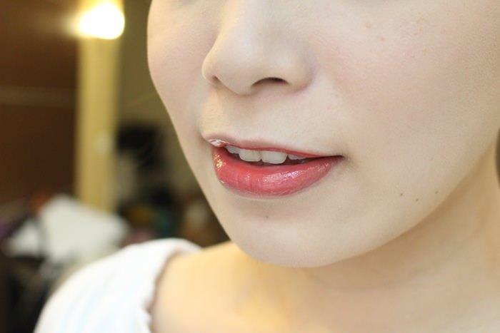 EXCEL Lip Care Oil 美容唇油-ruby red cherry pink LO01 LO02 試色 日本藥妝戰利品 EXCEL唇蜜-滋潤不黏膩 (16)