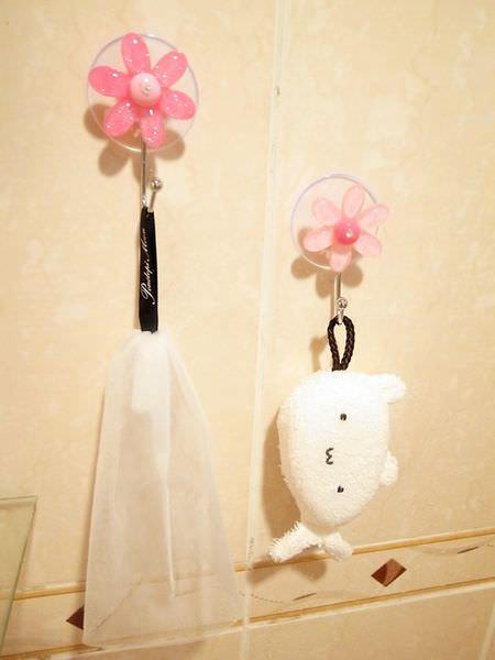 Daiso大創好物-大創浴室小物-海綿-刷子-掛勾-刮刀-消臭貼-青蛙海綿-粉撲清潔劑-女性生理清潔劑 (63)